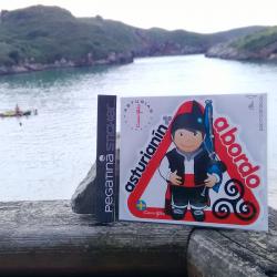 Pegatina asturianín a bordo
